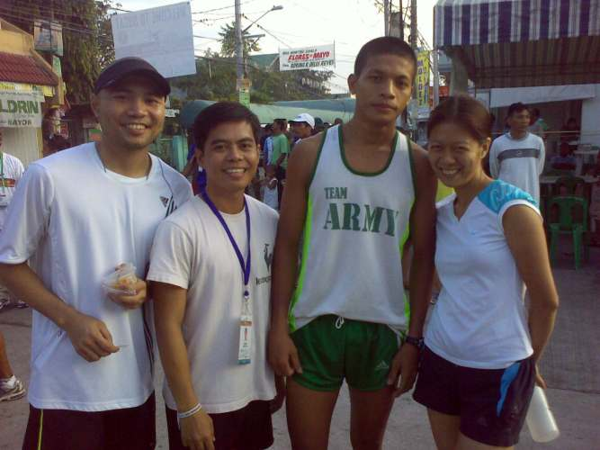 L-R- Mark (runner 3), Jerry (runner 5), Jucell (Runner 2) and me (runner 4)